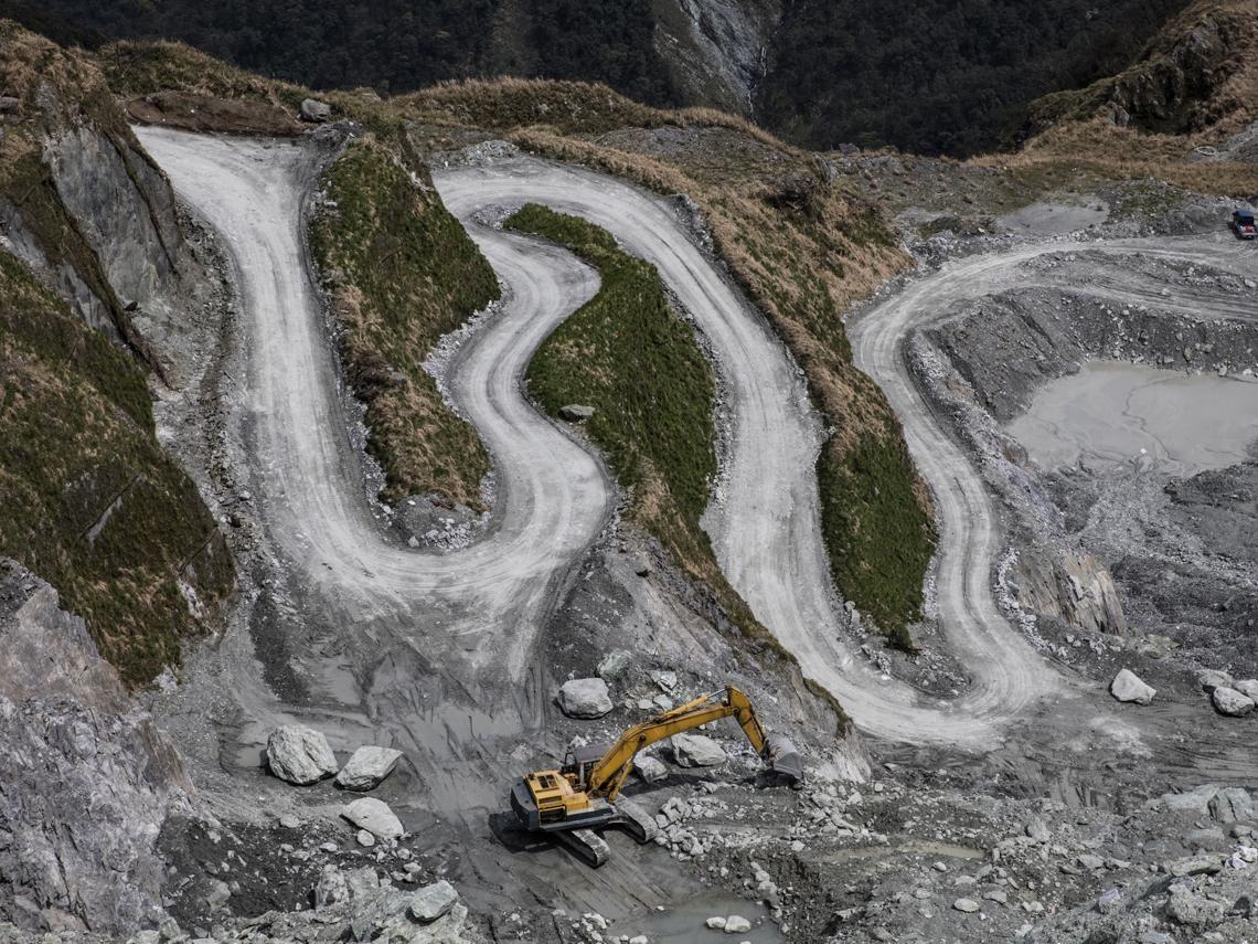 不能開墾卻縱容採礦  20個問題礦區誰來管?