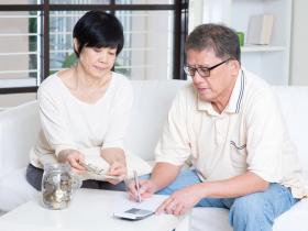 50歲夫妻月賺18萬,存款只有3萬?拯救2萬人家計的理財大師:答不出這3個問題,難怪你沒錢
