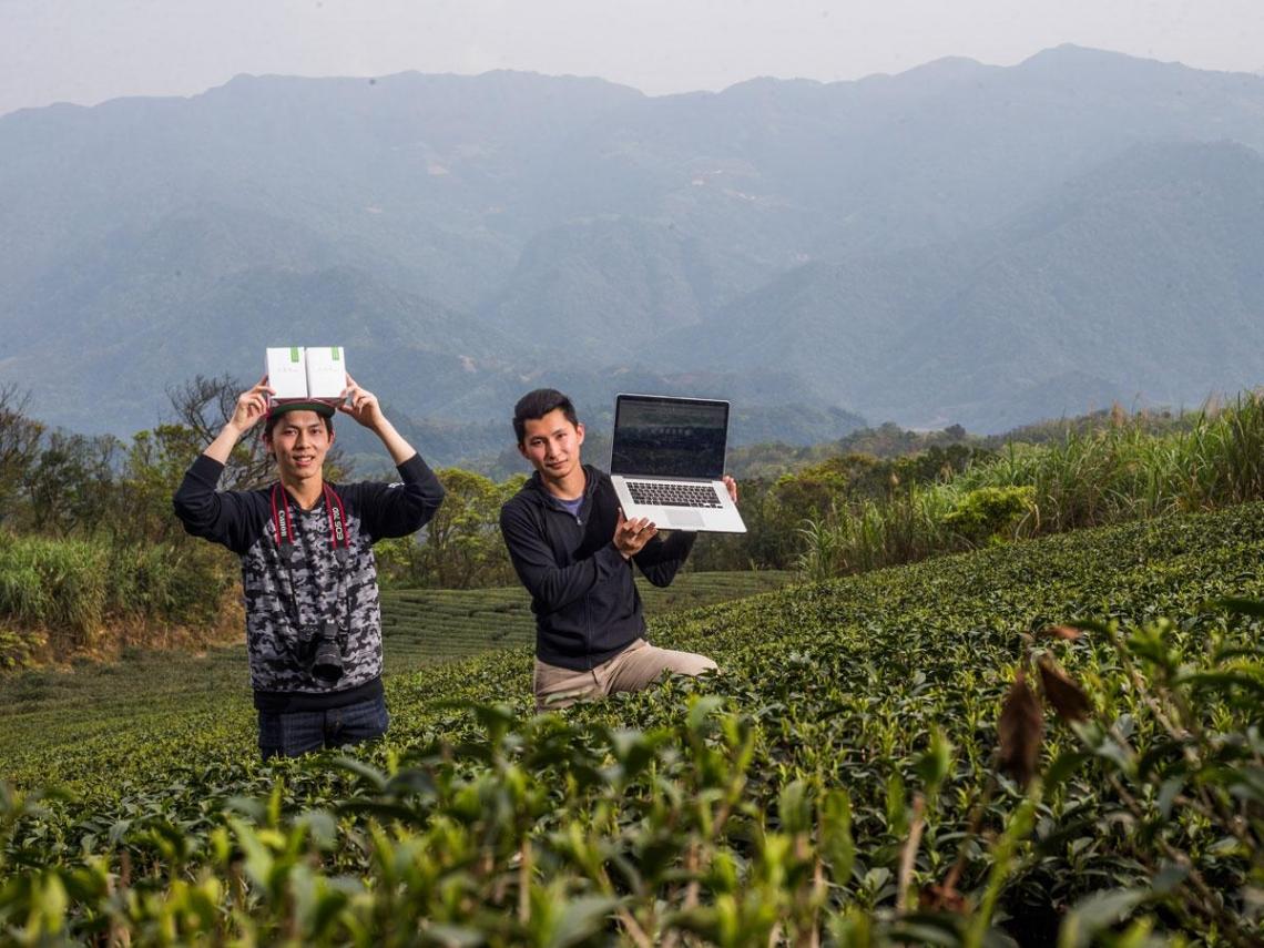 衝浪兄弟靠文創闖出品牌 茶價貴八成也能賣