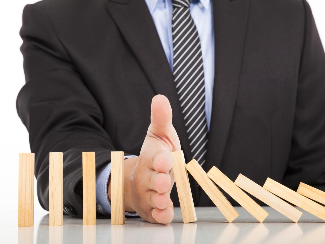 B股基金 投資越久、績效落後越多