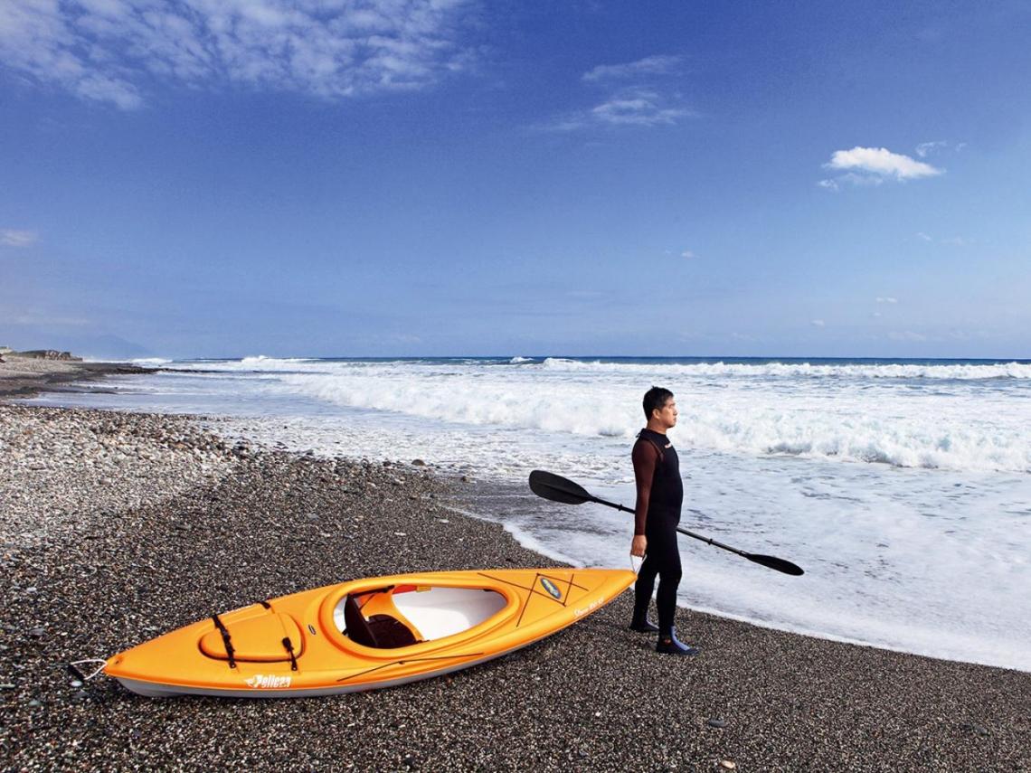 把夏威夷搬到花蓮  他要療癒「恐海族」