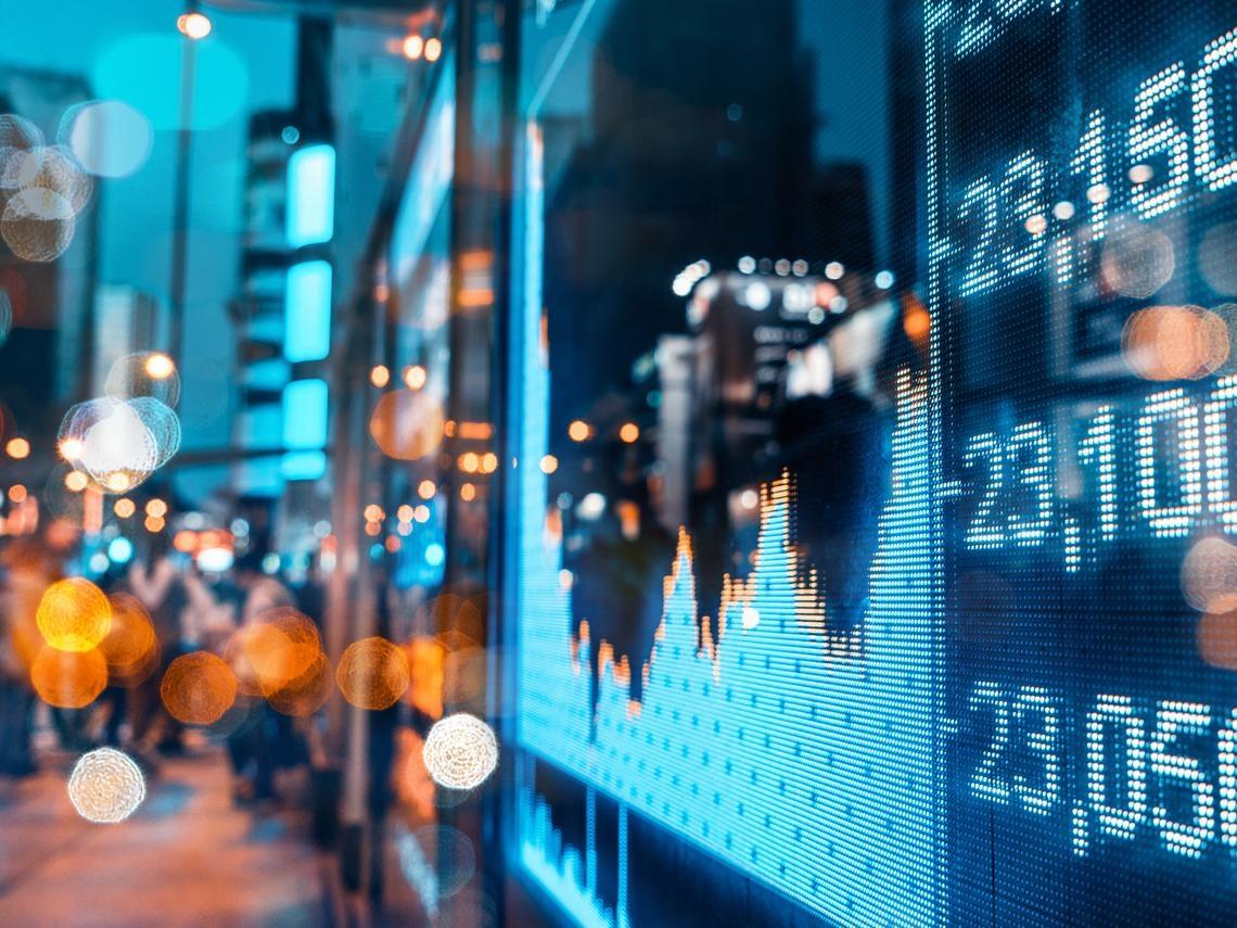 掌握「滑」商機快速精準的證券行動理財工具