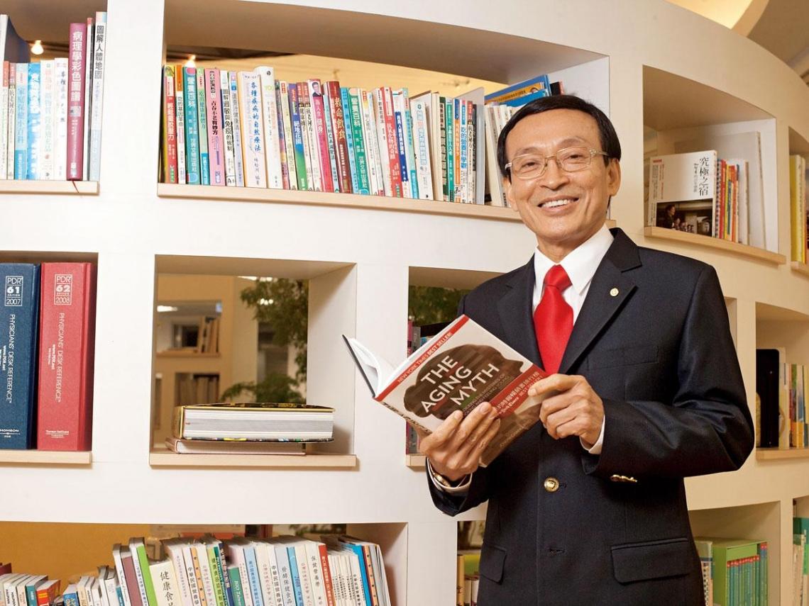 王寬明靠「A4日記法」 創下十五億身價