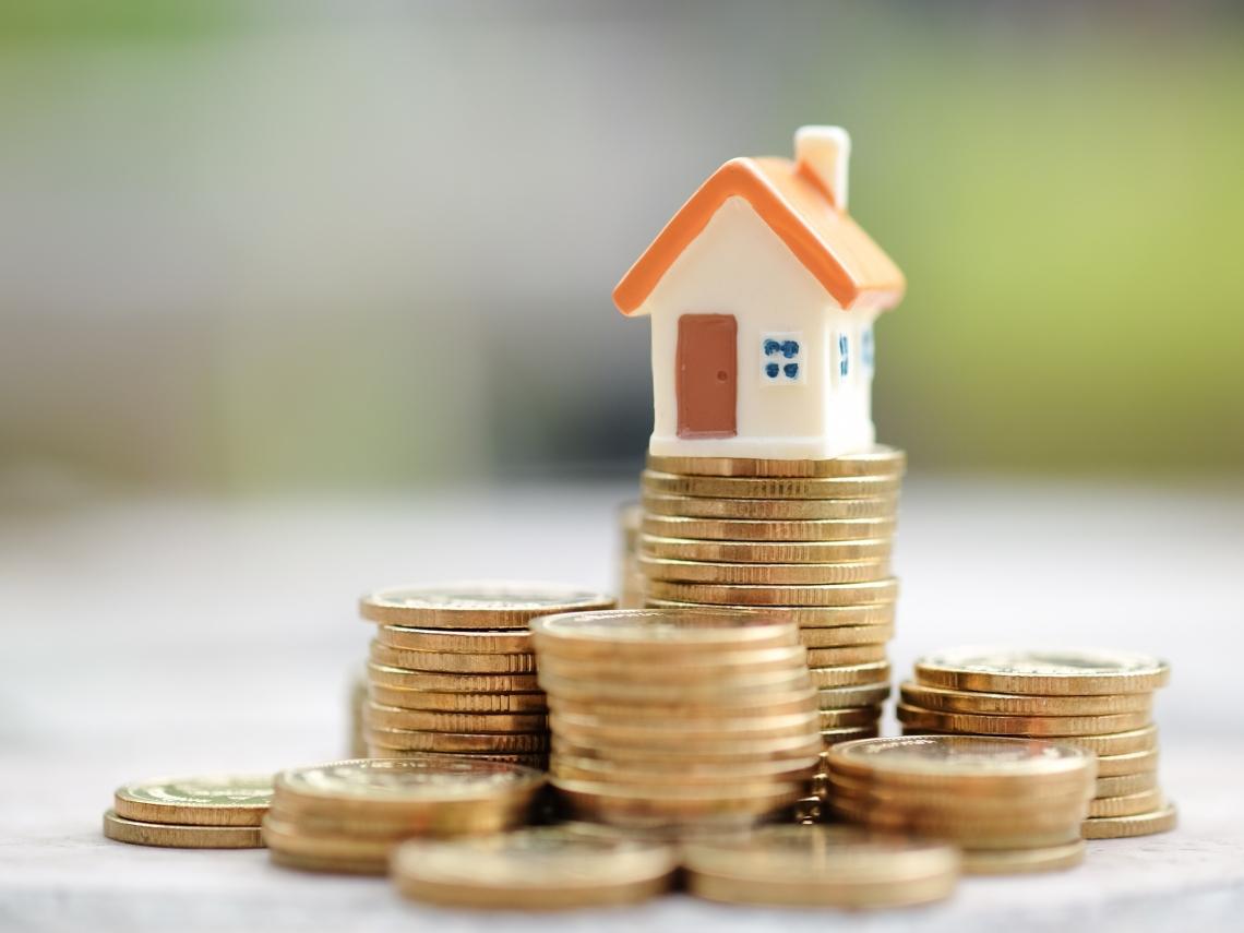 如果有1000萬,該買間舒適的房子,還是先拿來投資?