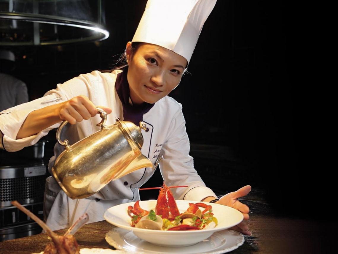 美、法名校學廚藝返台舞動高帽子