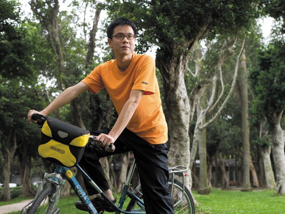 上班族自我挑戰 騎單車環遊世界