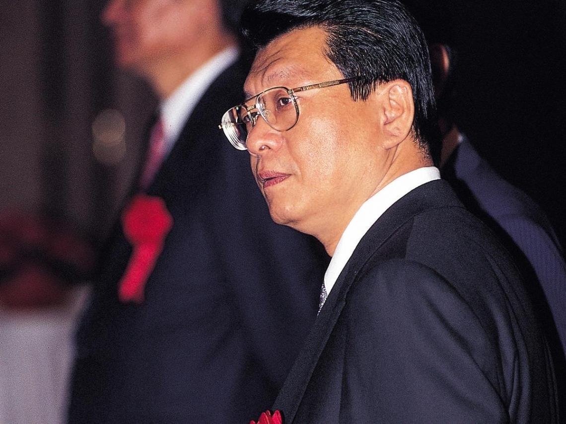 蔡宏圖與蔡鎮宇間的微妙競賽