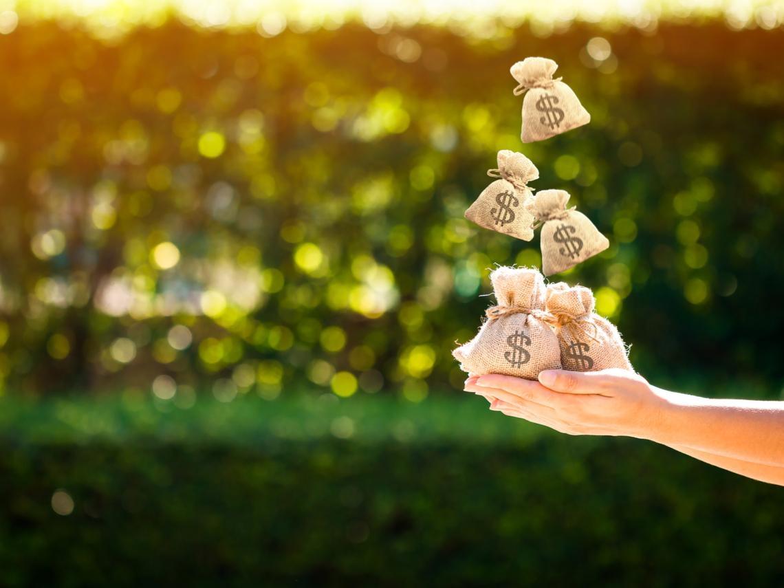 經濟刺激方案引發學者激辯