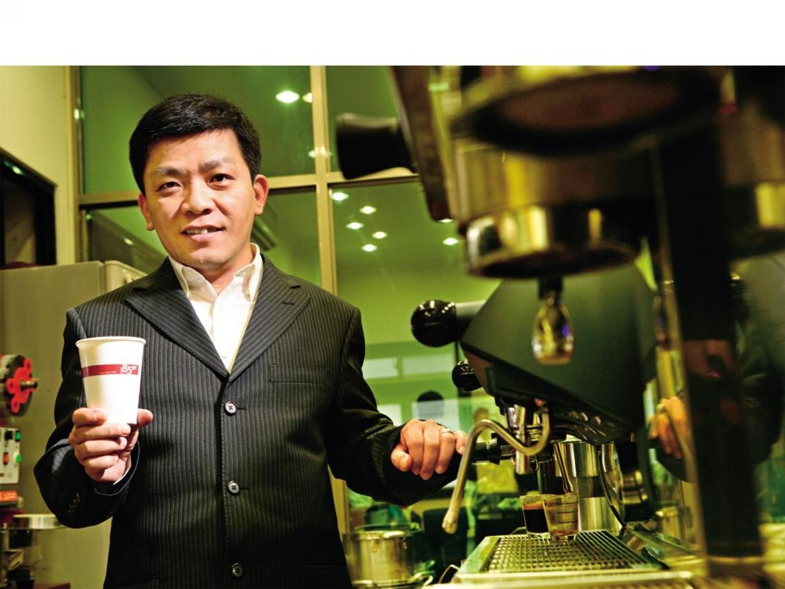 吳政學  平價咖啡賣出五百億身價