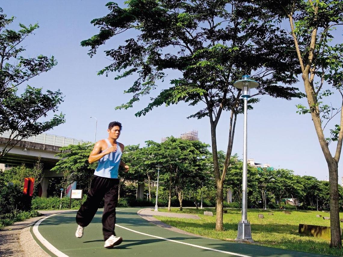 夏日運動  以熱除熱養生消暑