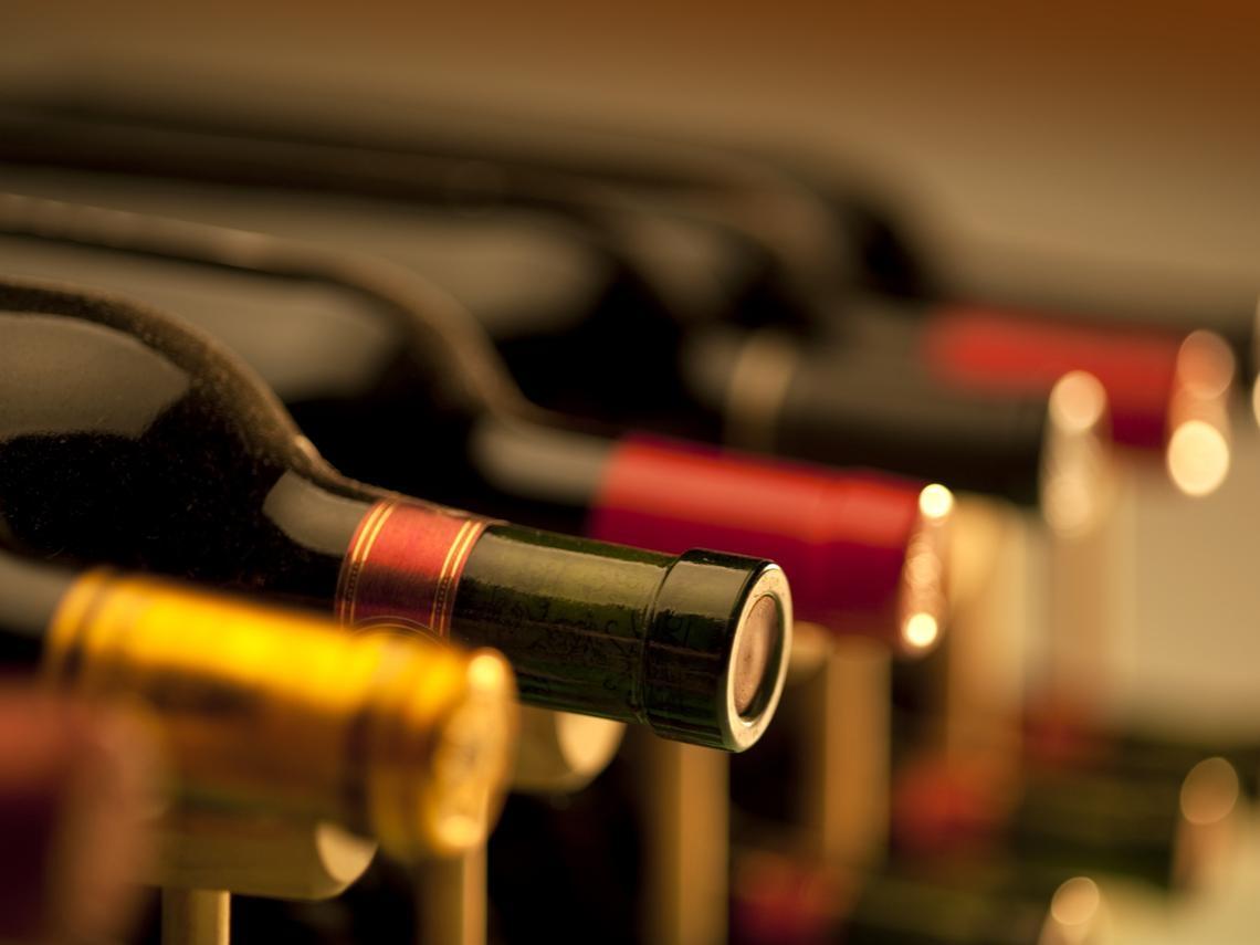 尹文怡   品味酒中的快意人生