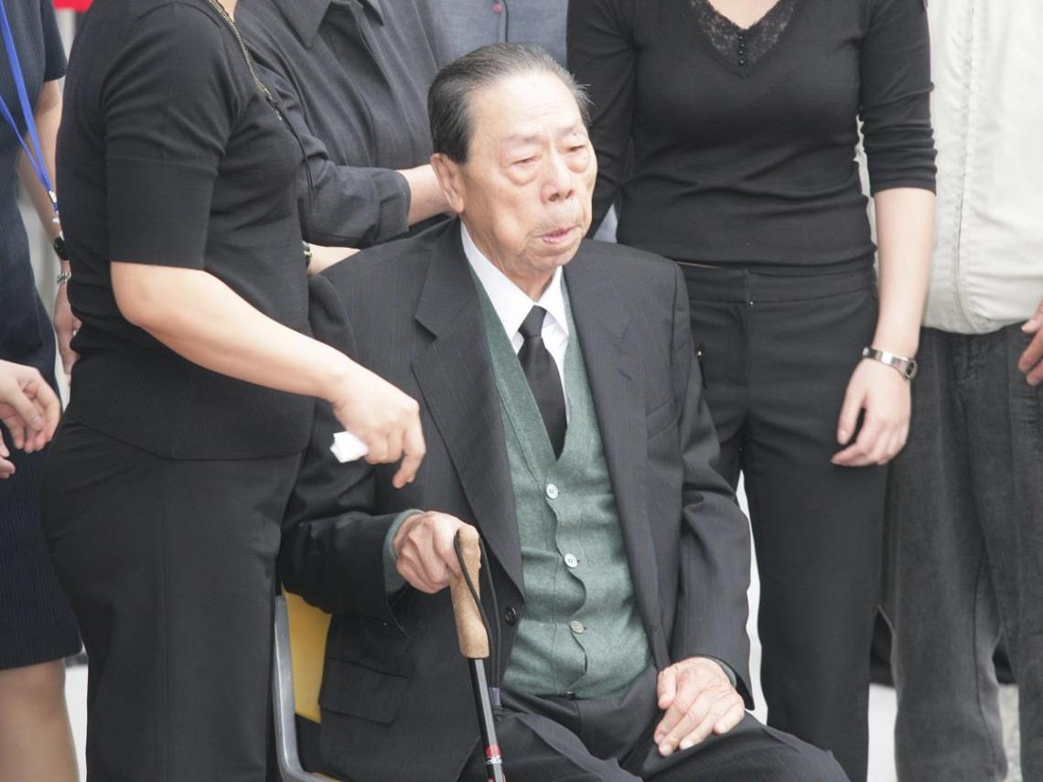 不再看公文  王永在專心過全退休生活