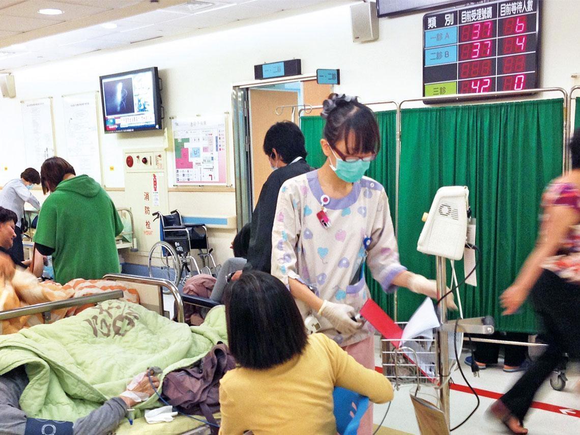 地區醫院等嘸人 醫療分級制喊假的?