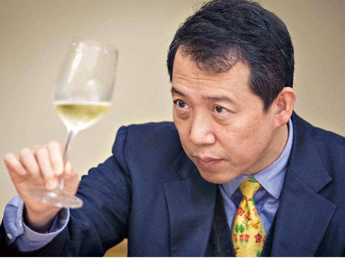 金狗年葡萄酒  開啟好兆頭
