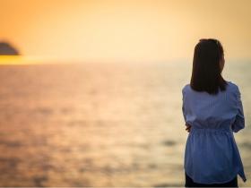 不懂愛自己的人,會在關係裡耗竭彼此