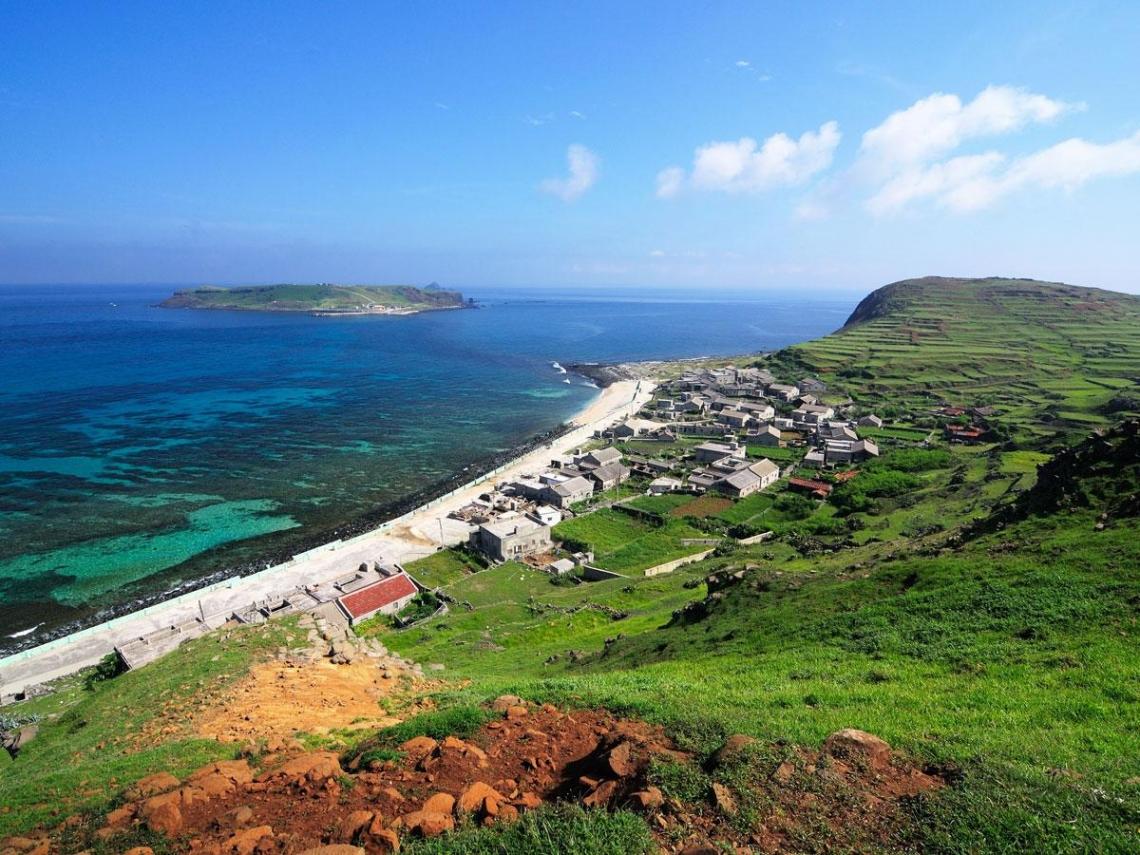 羊比人多 痛快放空  南方四島國家海洋公園