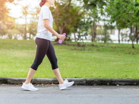 肌肉量太少?50歲後當心肌少症,2招促進肌肉生長、有效維持肌力