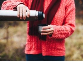 保溫杯裝咖啡、茶會釋放毒素?醫師破解迷思