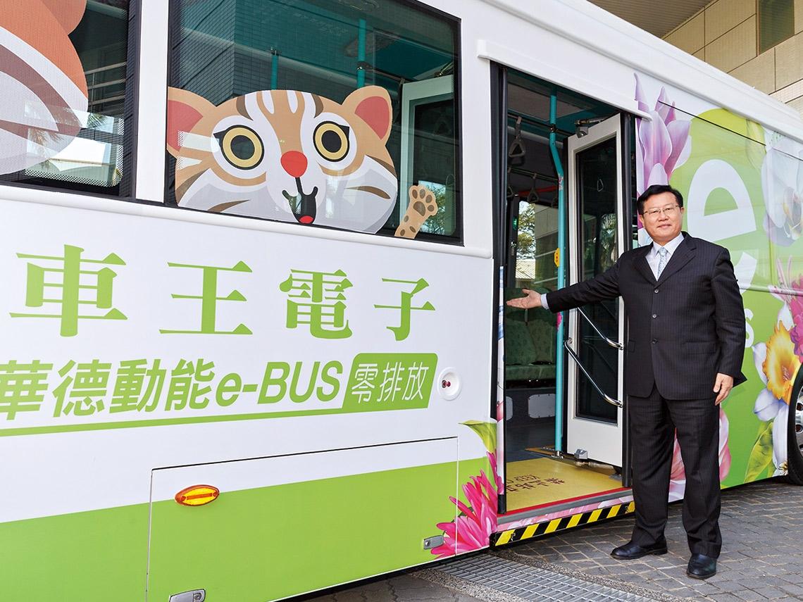 上看200億商機  他發動電動巴士卡位戰