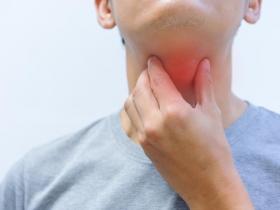 咳嗽、喉嚨卡卡是感冒?注意「胃食道逆流」4個非典型症狀