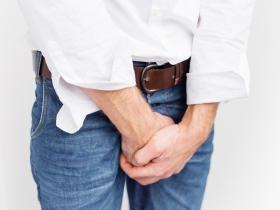頻尿、夜尿太困擾!專家這6招,改善攝護腺肥大好簡單