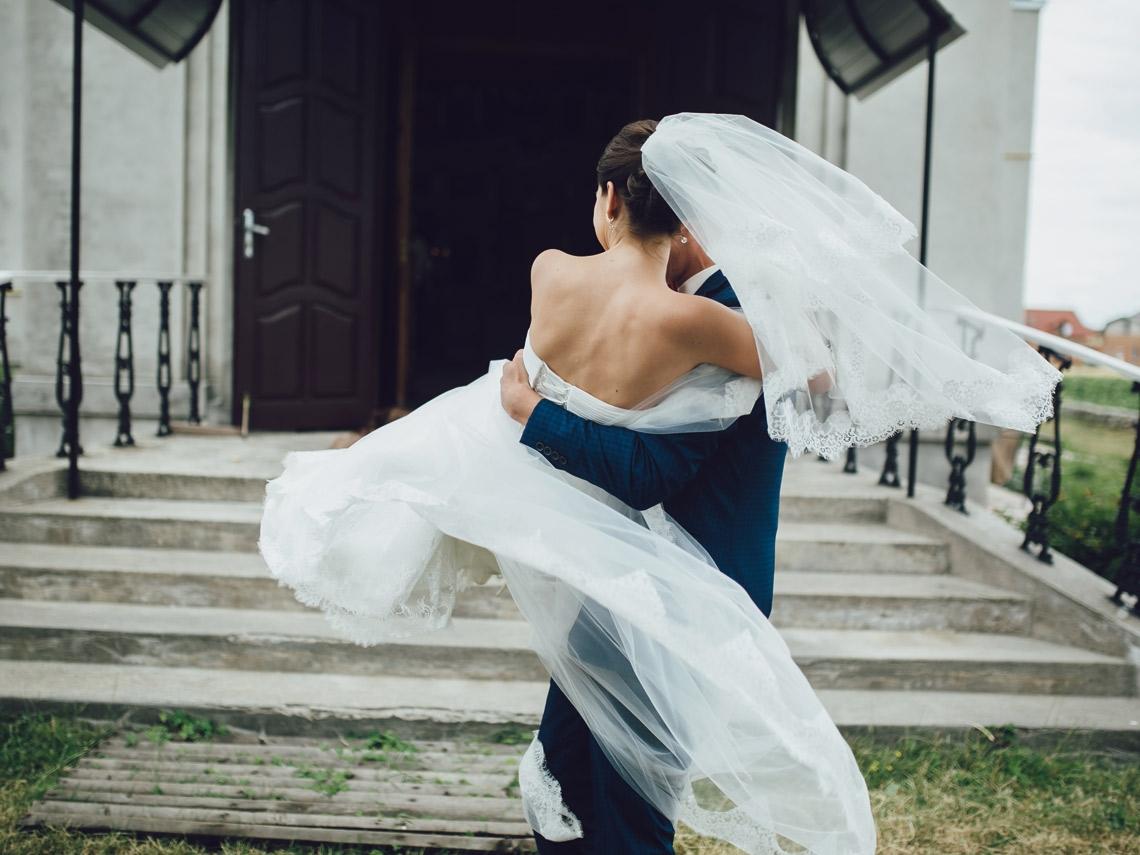分手後斷聯卻發喜帖來 前任的婚禮該參加嗎?