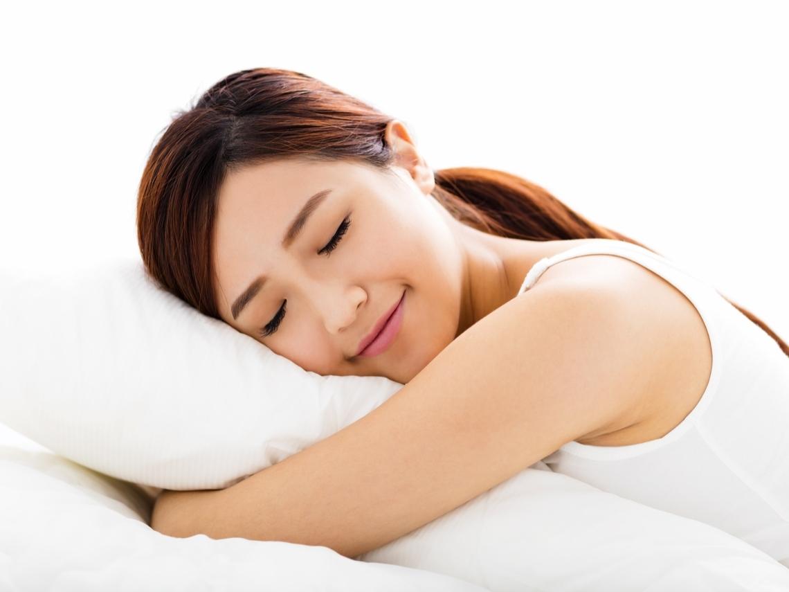 肩頸痠痛,是枕頭、床墊的錯?專家教你挑對寢具,提升睡眠品質