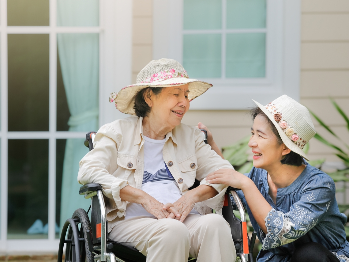 照顧媽媽的收穫:人生觀改變了,懂得區別真正重要的事