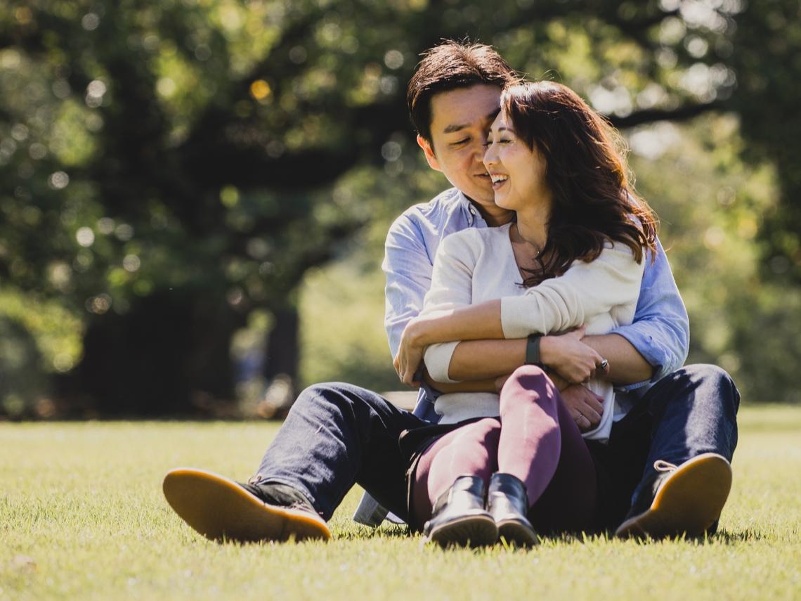 朋友各忙各的、夫妻話不投機?修補人際關係,中年才會越來越幸福!