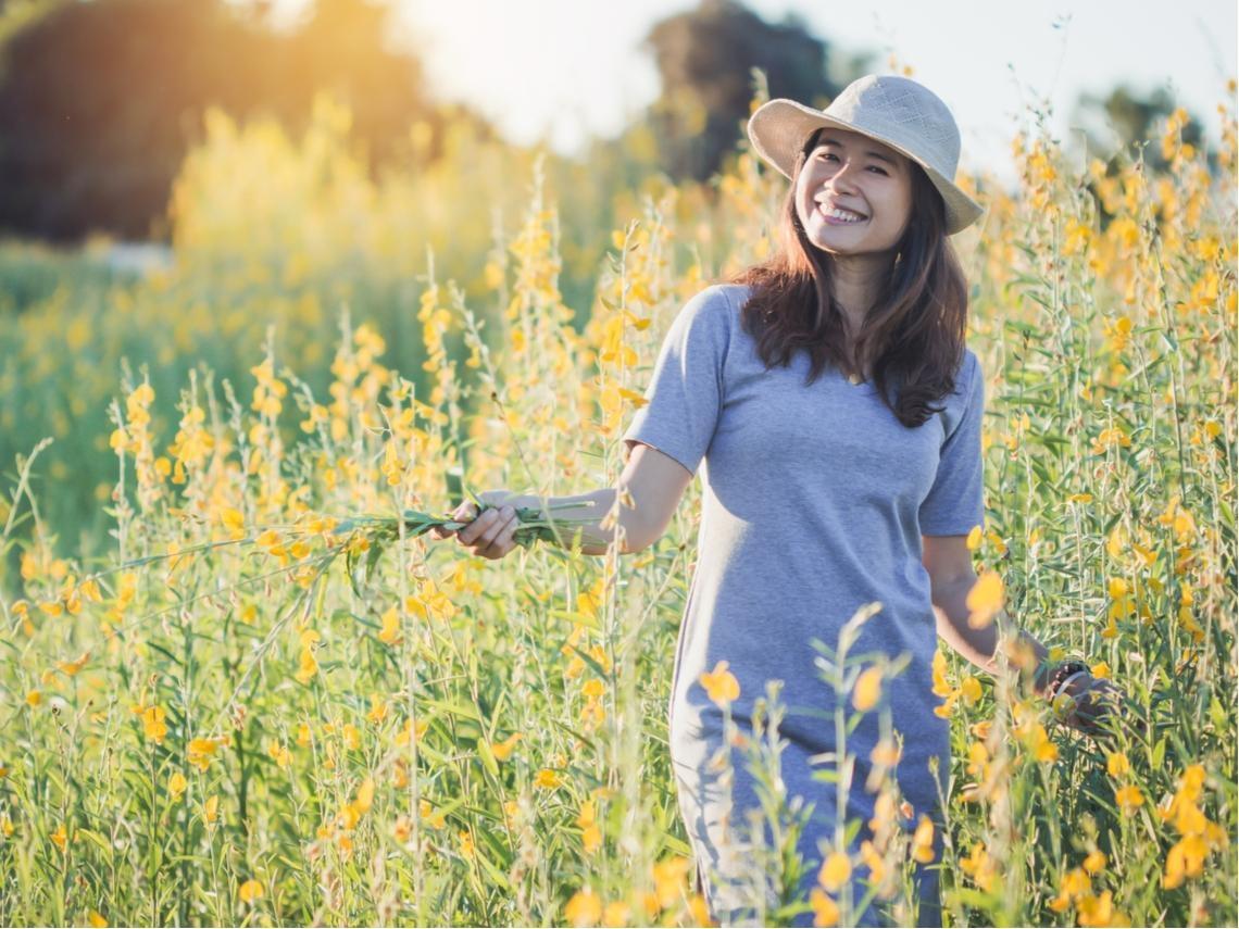 50歲前的生活習慣,決定80歲後的幸福!這樣駕馭「情緒」,天天快樂很簡單