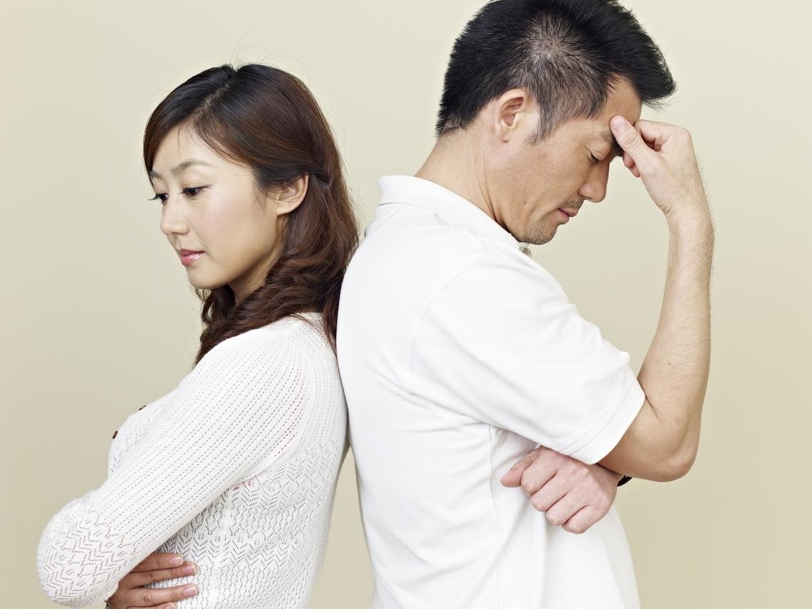 從相看兩不厭,變成看了就討厭!夫妻中年不睦,都是更年期惹的禍?
