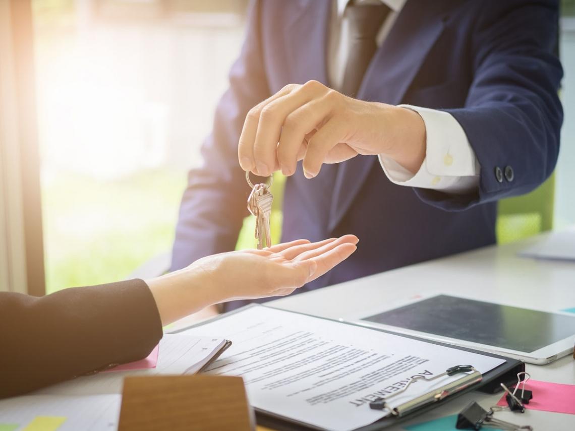 賣屋該簽「一般委託」,還是「專任委託」?房仲真心話:白癡才選這一個