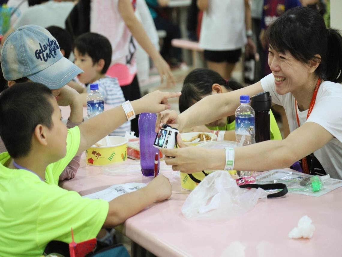 苦鹹海風透出書香 「濱海小學堂」酷暑鍛鍊台灣青年的包容與熱情