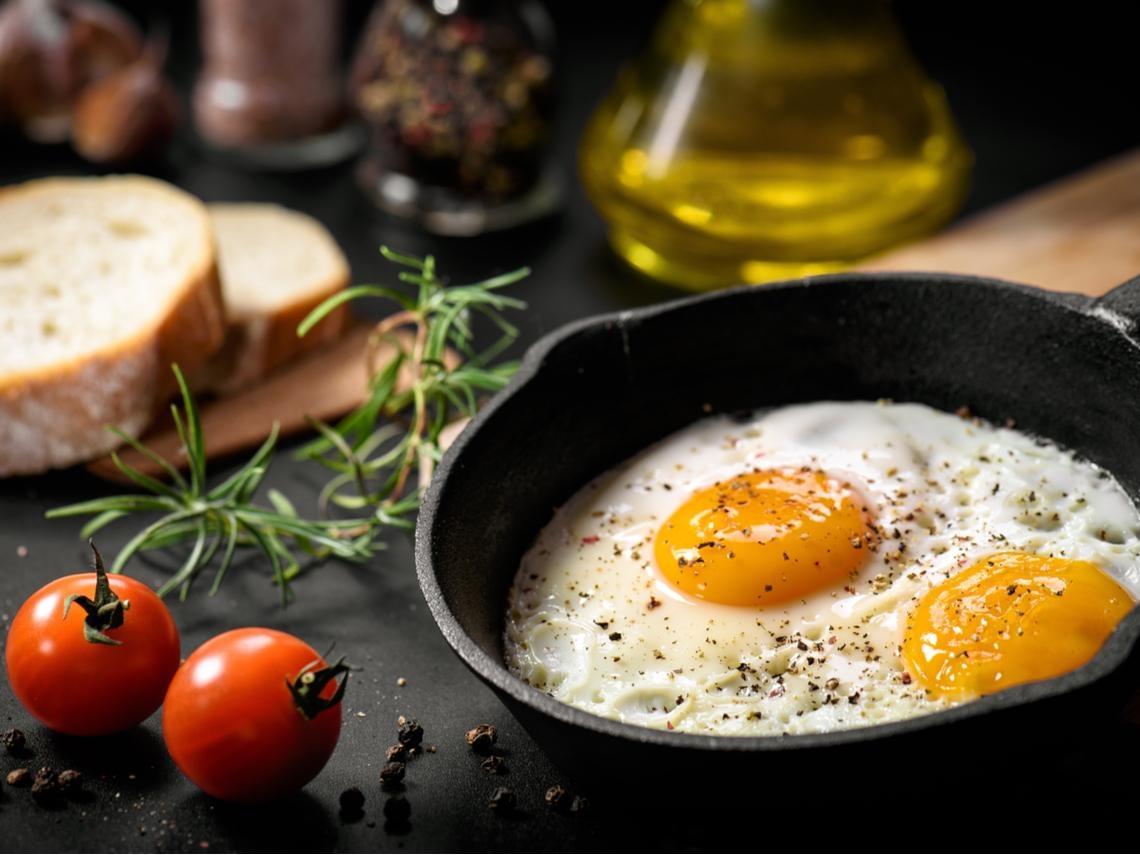 健忘是失智症前兆嗎?吃番茄、雞蛋、酪梨...10種食物,遠離大腦退化