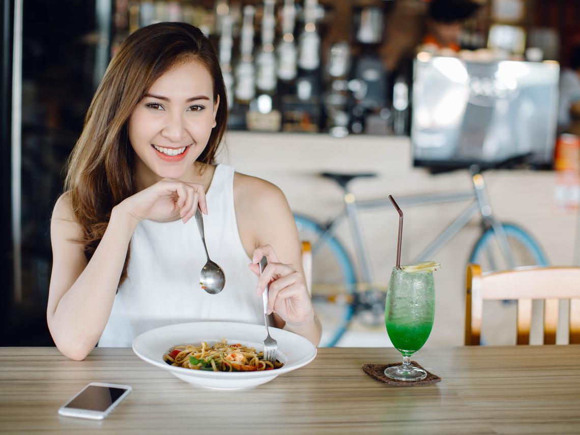 吃對食物能比實際年齡年輕14歲!這10種食物「大腦必要」養分,遠離失智、記憶力衰退