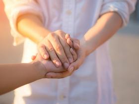 當父母需要長照的那天來臨,別怕被說不孝!彼此給喘息空間也是愛的方式