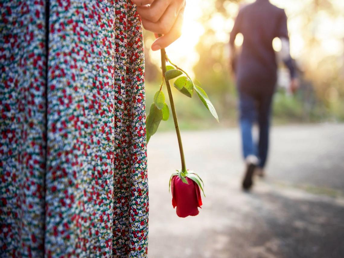 「你的男朋友又帥又優秀 好羨慕喔」 被人說撿到寶,反而讓她愈愛愈卑微