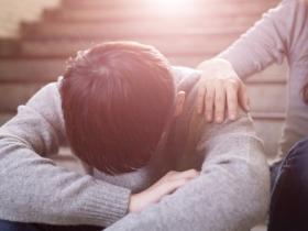 重症醫師的沉痛告白!預立醫療決定,臨終別讓家人承受壓力