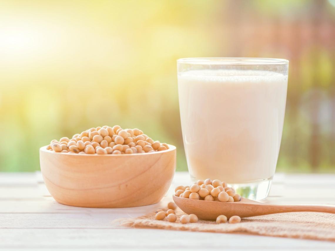 喝豆漿會痛風?營養師駁:這樣攝取豆製品,有助減少痛風風險