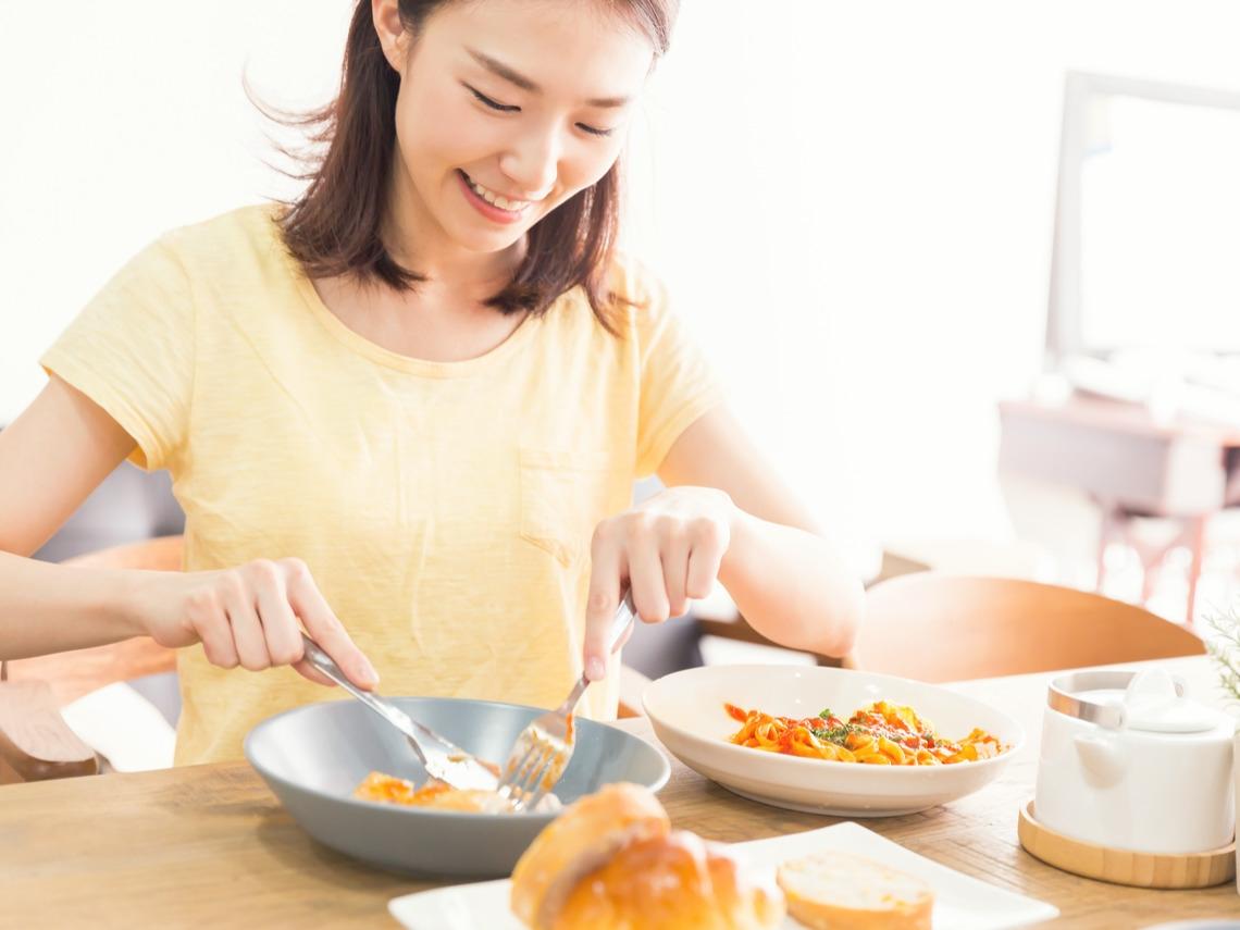 減肥成功醫師分享:掌握「飯碗大小」、「飲食順序」就能腰圍瘦一圈