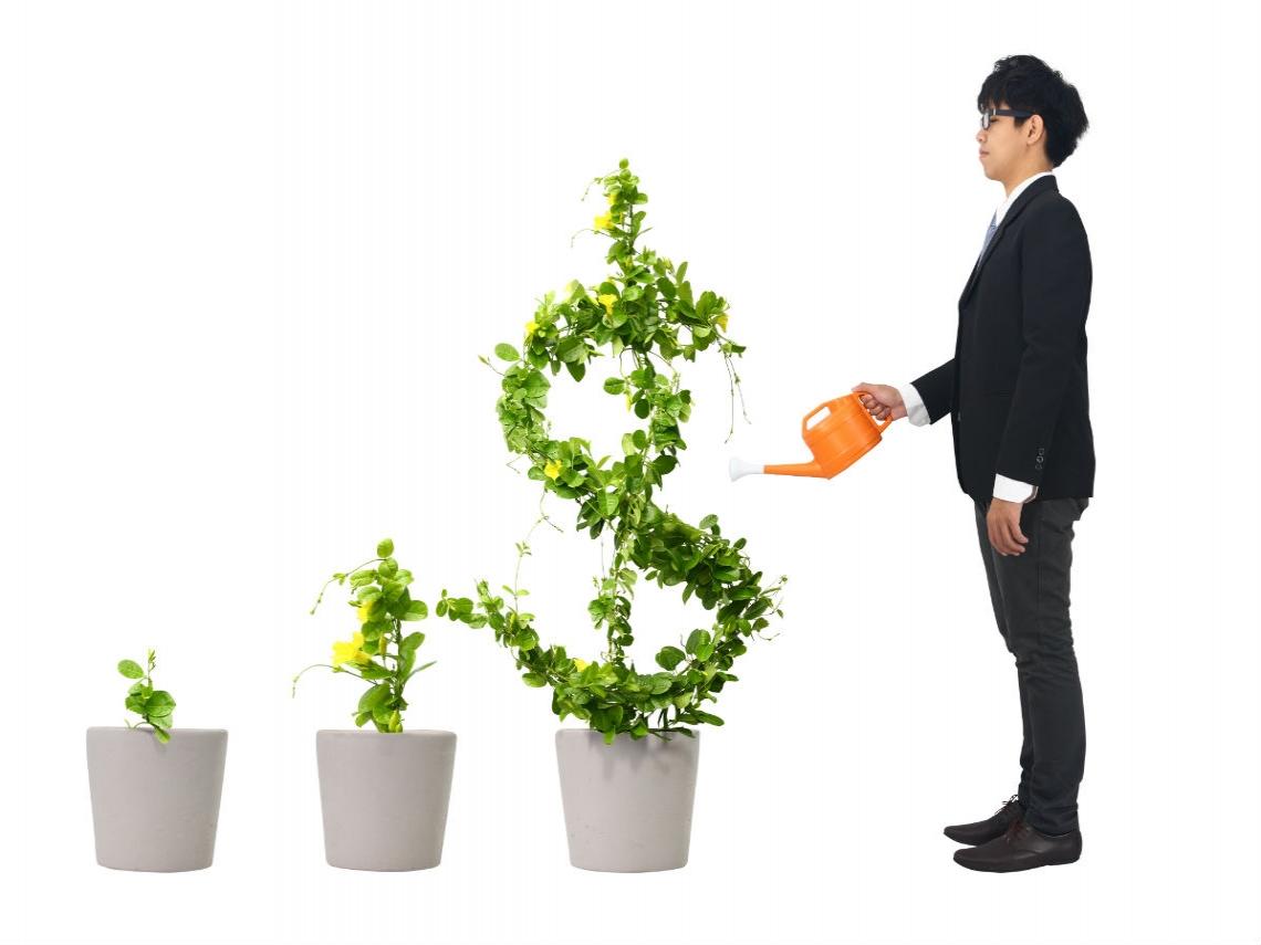 領死薪水也能發大財!買這3種指數型基金,30多歲高中老師翻身千萬富翁