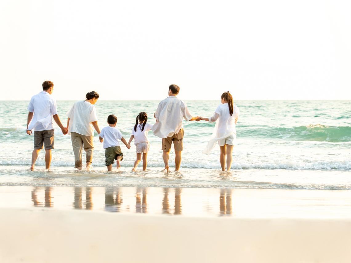 親情不是理所當然,傷痕再小還是會痛!家人相處,別「以熟相欺」傷感情