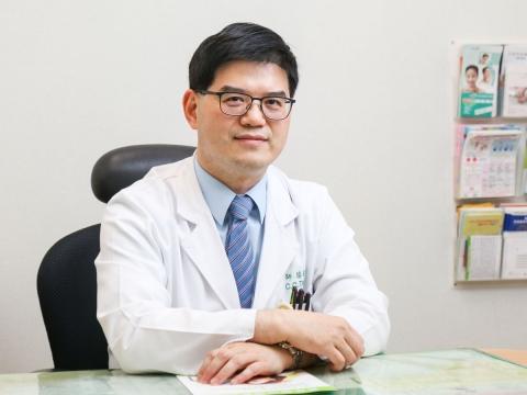 《名醫給你問》如何看待更年期服用荷爾蒙的罹癌風險?黑升麻是另一種選擇!