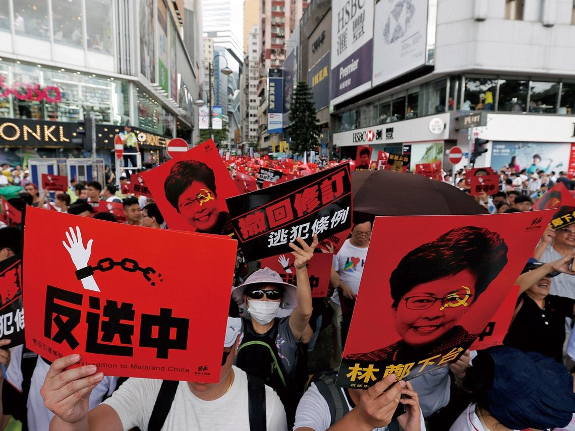 香港「反送中」遊行 給台灣人敲響一記警鐘