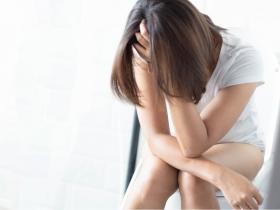 長期憋尿、不喝水,小心血尿找上你!醫生教你4招預防腎結石!