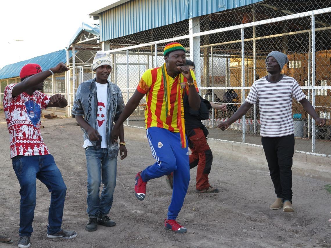 踢足球、玩音樂  他們成功脫貧