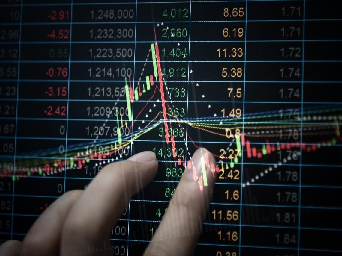 看報紙買股票總是追高殺低?專家教你如何判斷真假