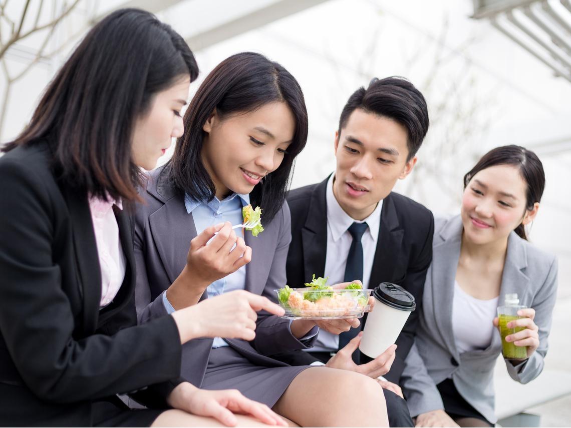你的主管會找你吃中飯嗎?超準!從「吃中飯」看出主管的3種領導性格,這種最難搞