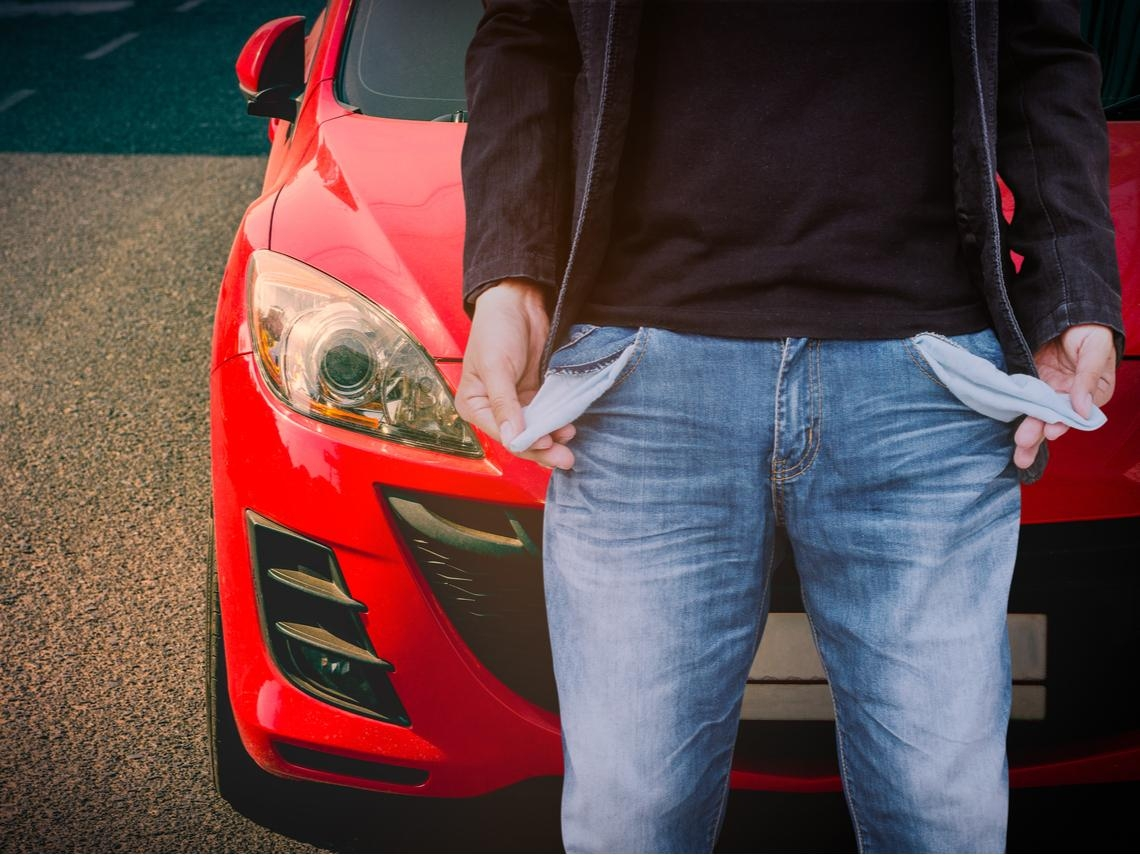 月薪3萬買車會很辛苦嗎?一條公式計算:買車養車費,別超過年收入●●%