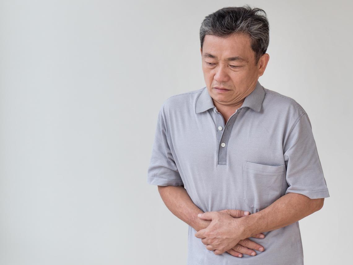 67歲男子沒症狀,竟查出攝護腺癌!醫師:多吃這3種食物、定期篩檢,癌症不敲門!